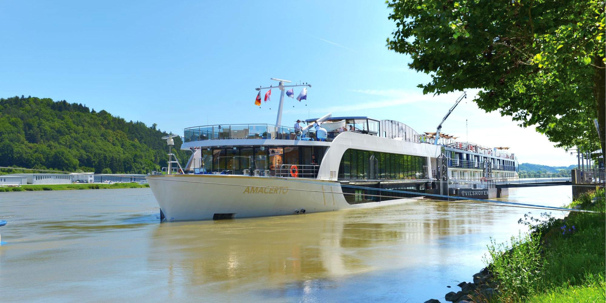 Ausflugsschifffahrt auf der Donau