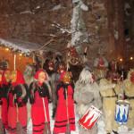 Die Perchtengruppen bilden den alljährlichen Höhepunkt der Hilgartsberger Burgweihnacht